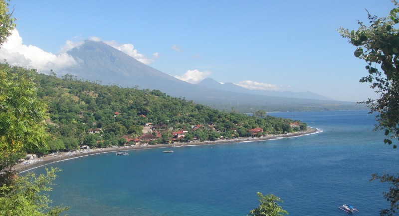 Mount-Agung-towering-over-Jemeluk-Bay-one-of-the-bays-where-juvenile-marine-life-shelters-from-the-ferocity-of-the-Throughflow.jpeg