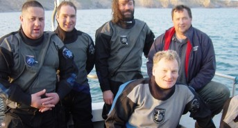 Volunteer-divers-1.jpg